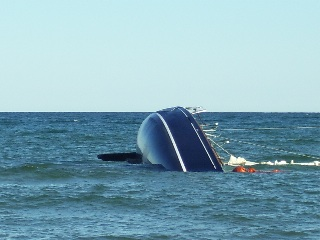 Barracuda (Beneteau 40.7) sinks during Mackinac return delivery - thumbnail image